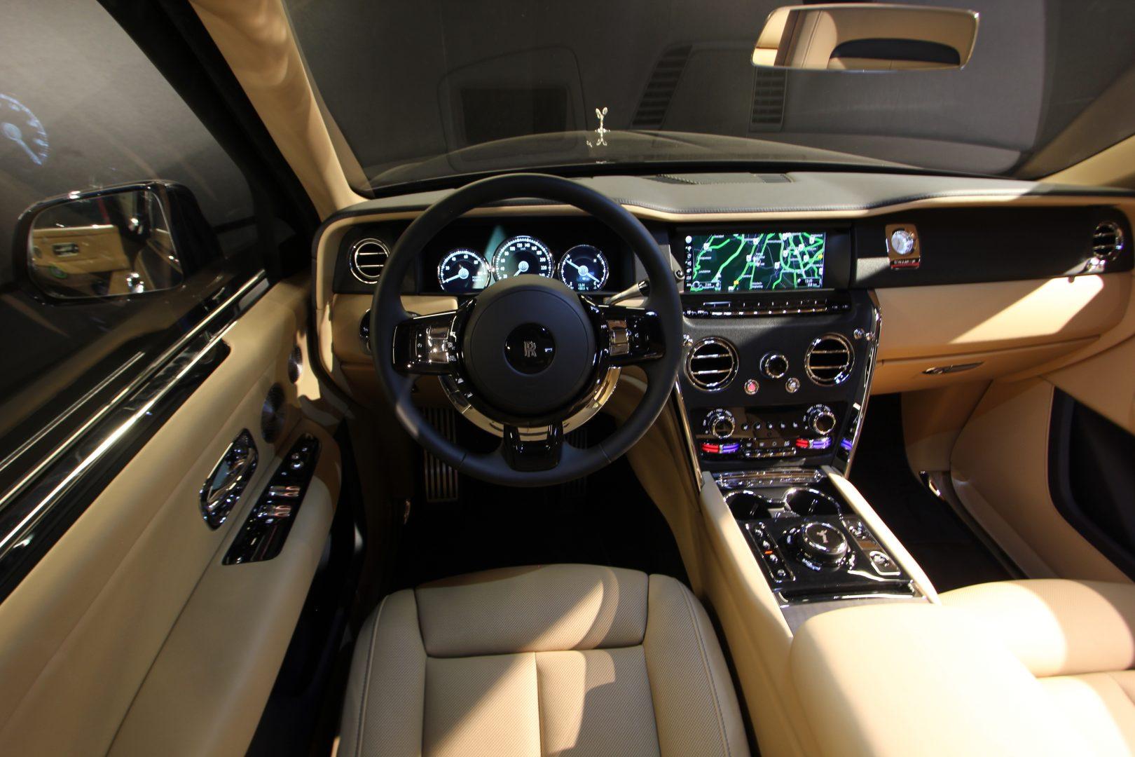 AIL Rolls Royce Cullinan V12 6