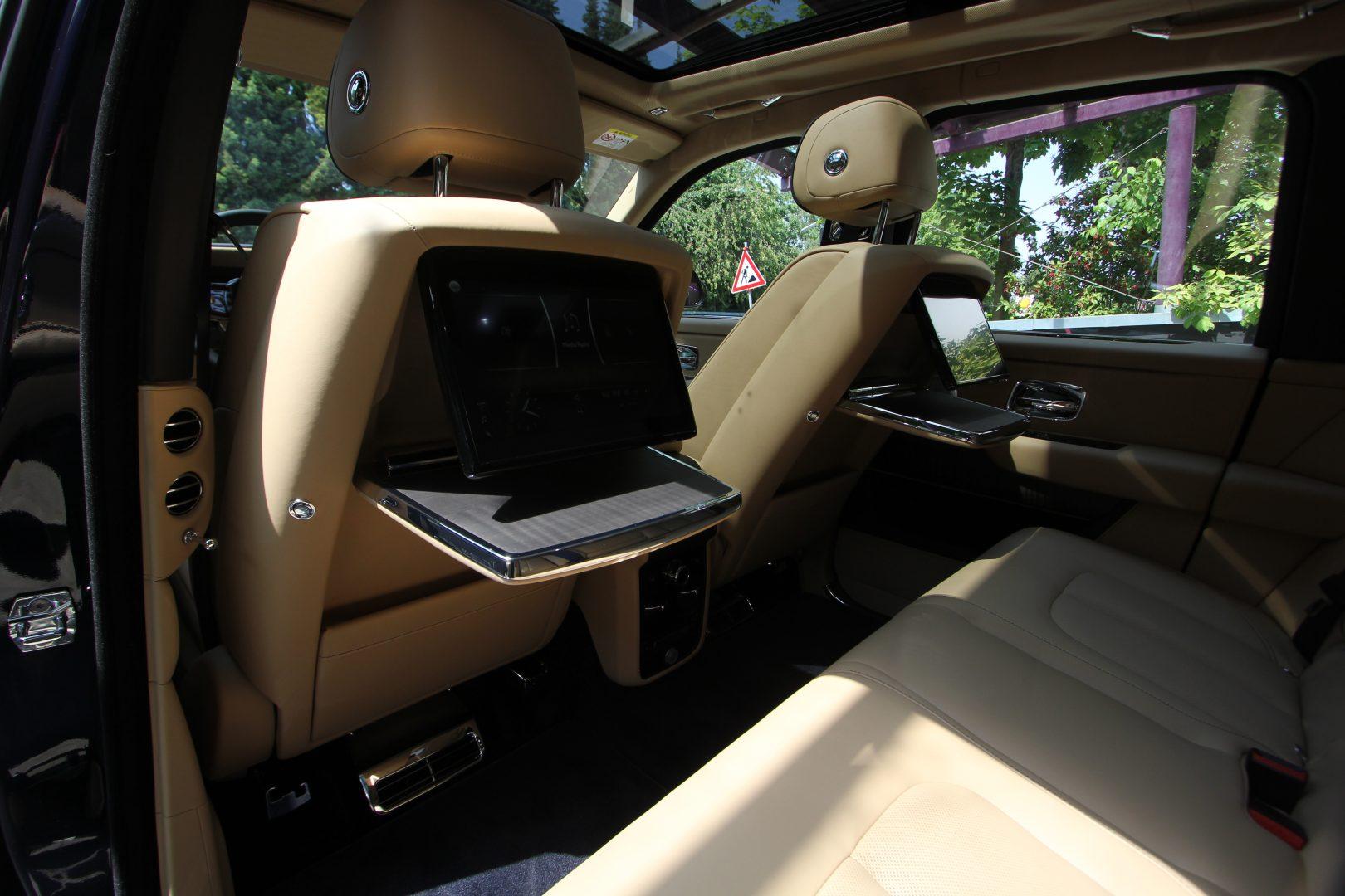 AIL Rolls Royce Cullinan V12 15