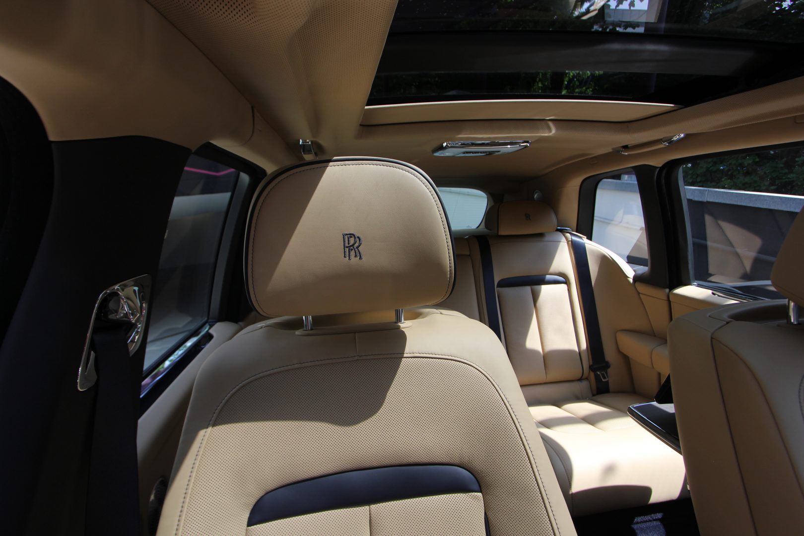 AIL Rolls Royce Cullinan V12 13