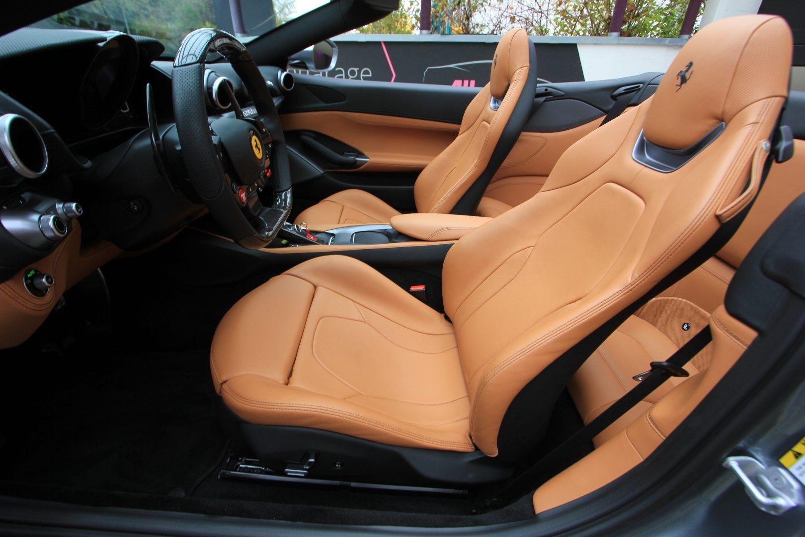 AIL Ferrari Portofino 12