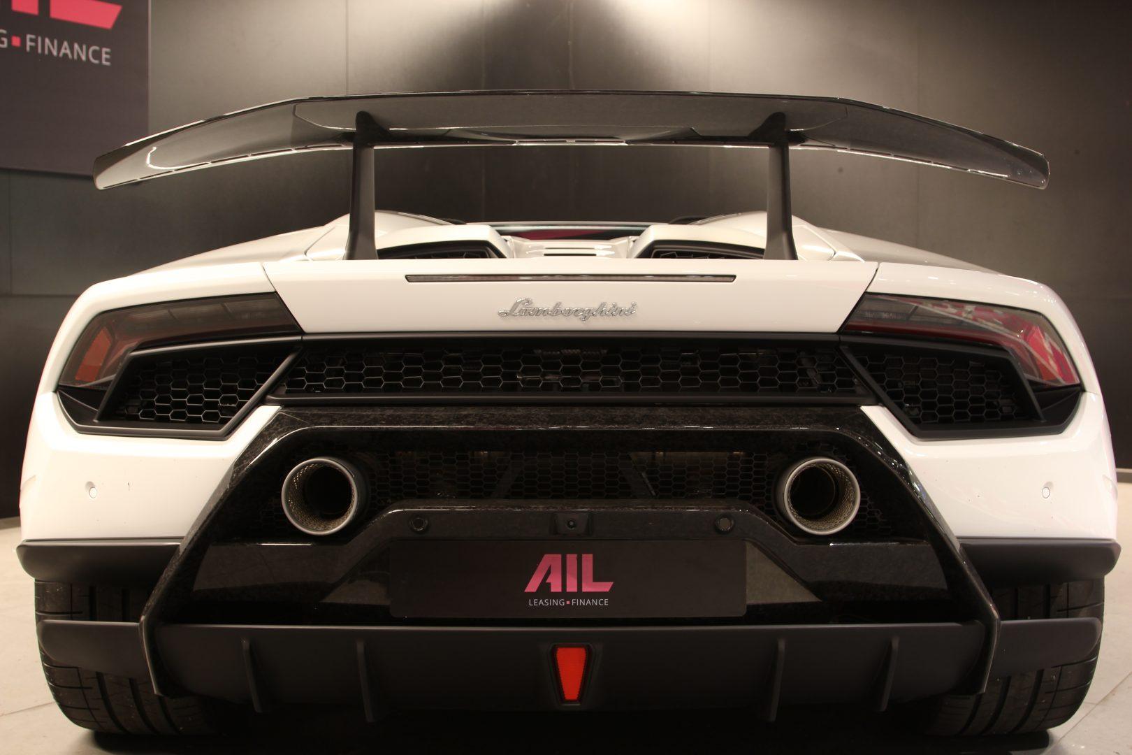 AIL Lamborghini Huracan Performante Spyder LP 640-4 4