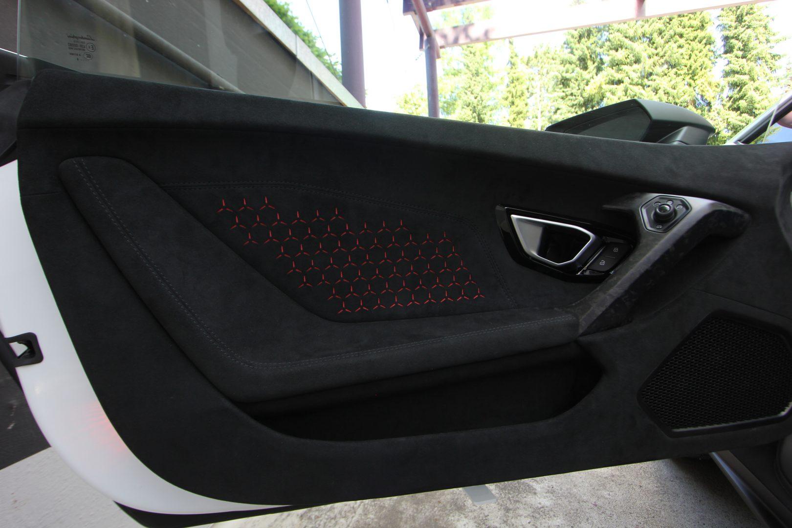 AIL Lamborghini Huracan Performante Spyder LP 640-4 10