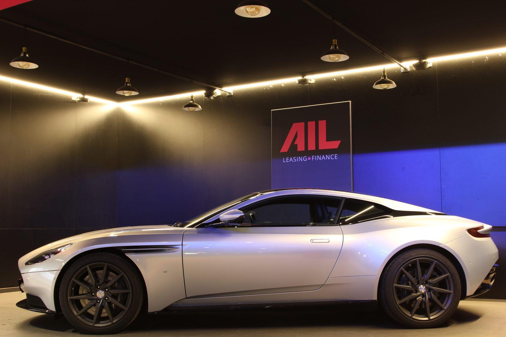 AIL Aston Martin DB11 Coupe 5.2 V12 1