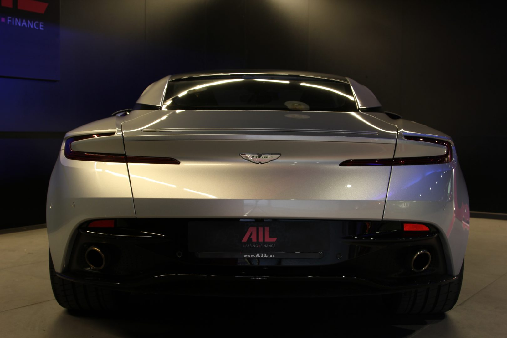 AIL Aston Martin DB11 Coupe 5.2 V12 2