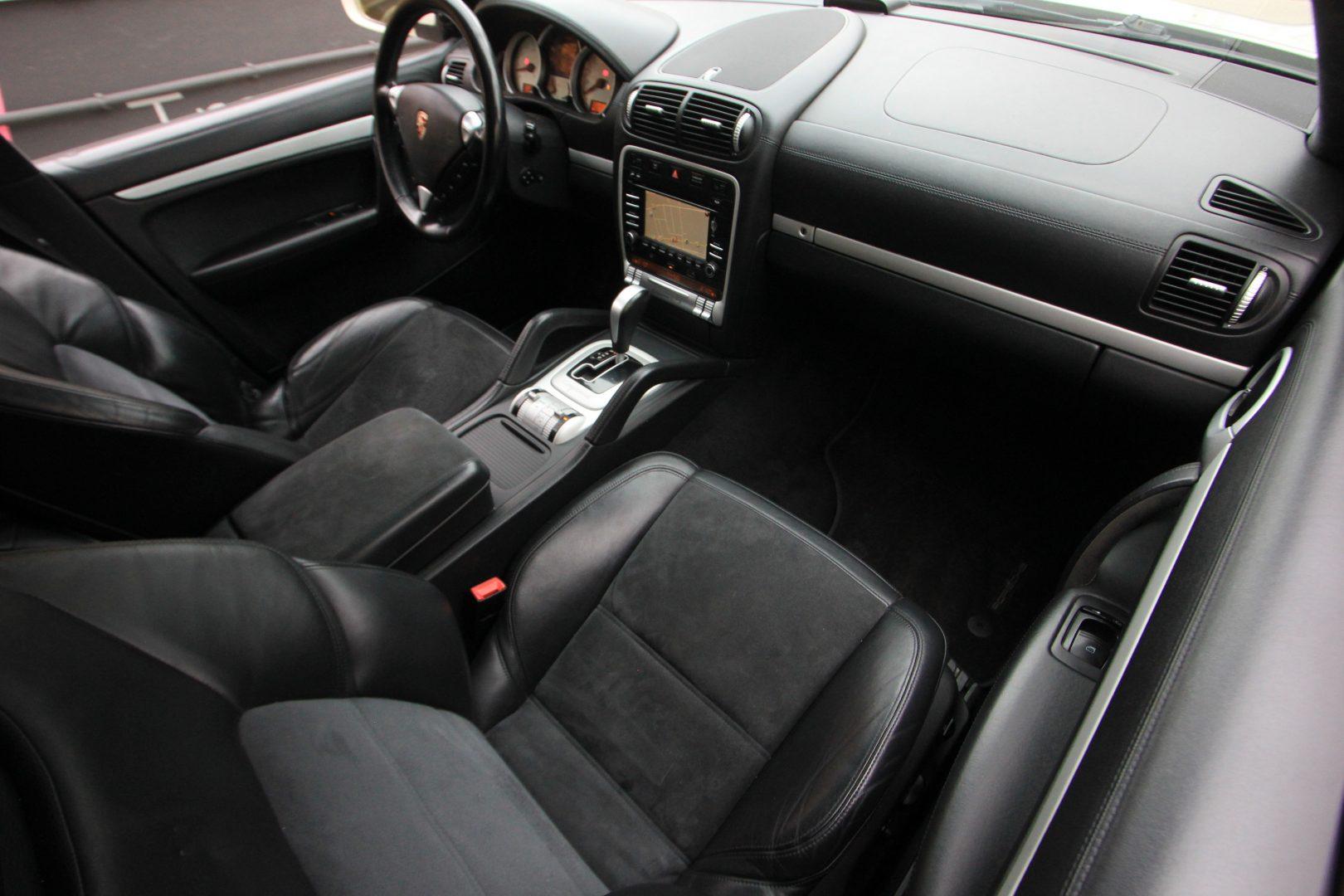 AIL Porsche Cayenne GTS 9