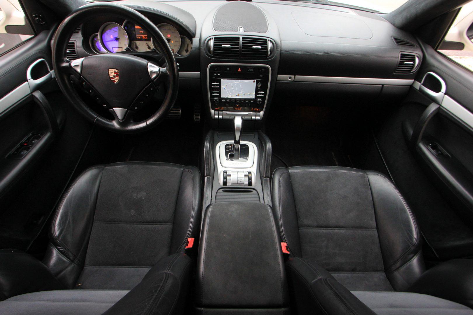 AIL Porsche Cayenne GTS 11