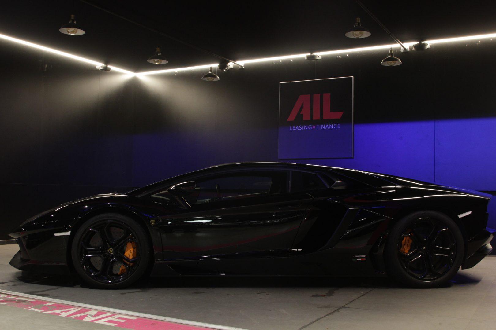 AIL Lamborghini Aventador LP 700-4 3