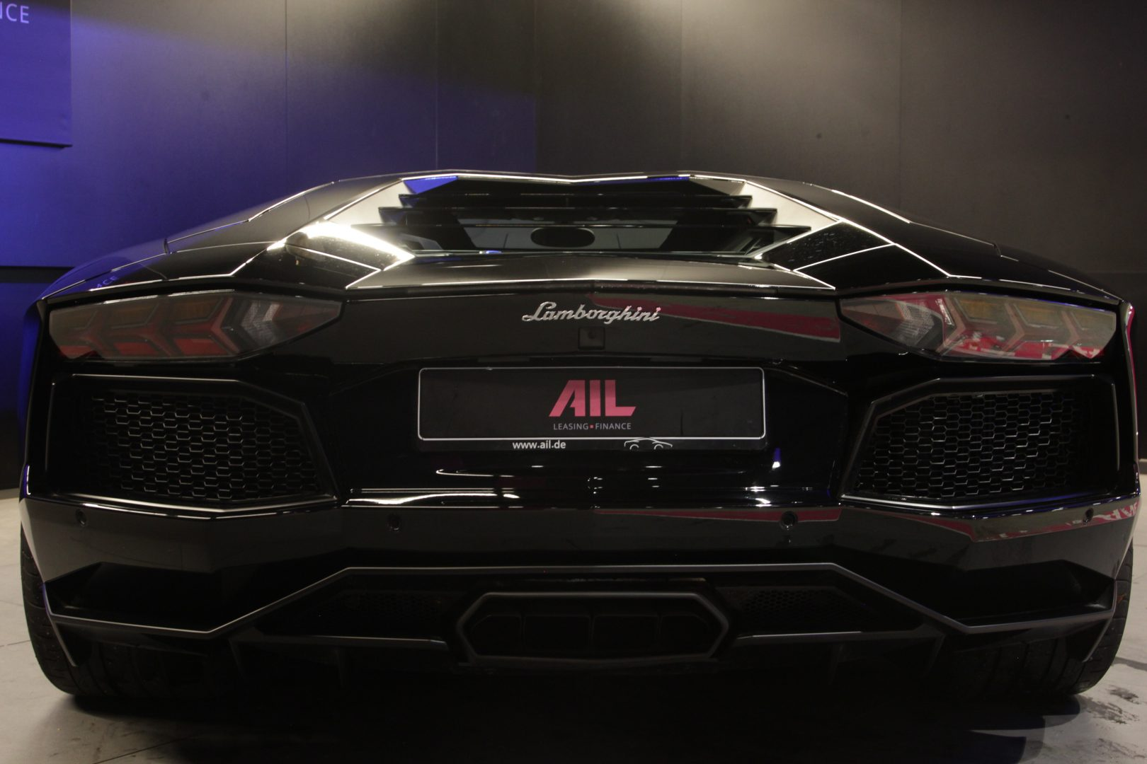 AIL Lamborghini Aventador LP 700-4 1