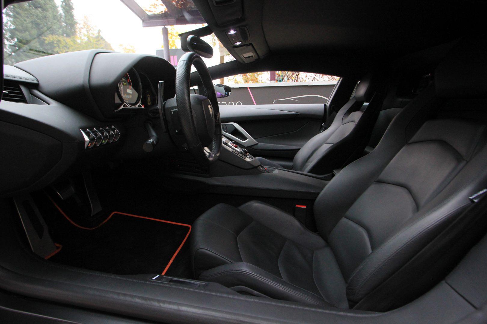 AIL Lamborghini Aventador LP 700-4 4