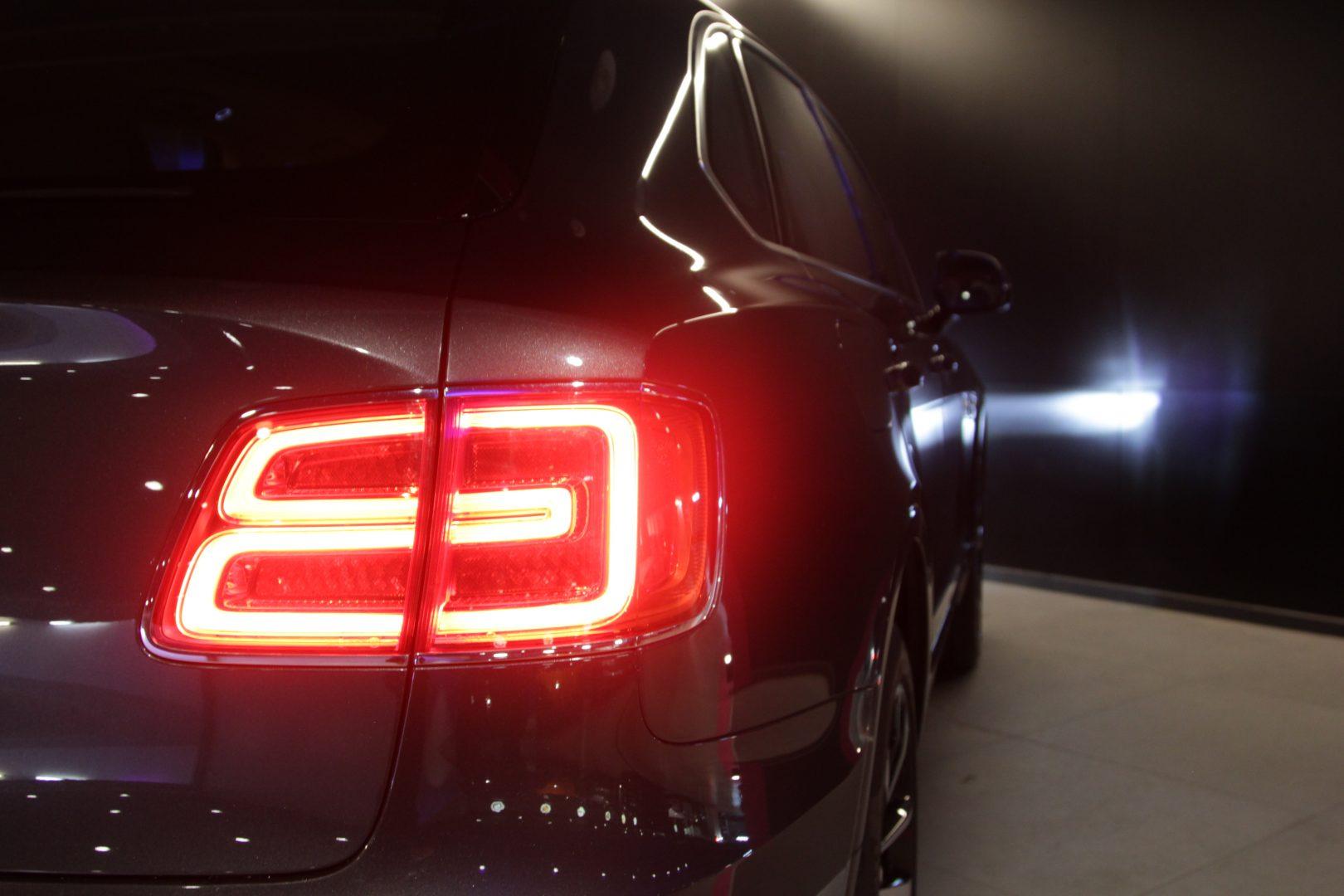 AIL Bentley Bentayga W12 9