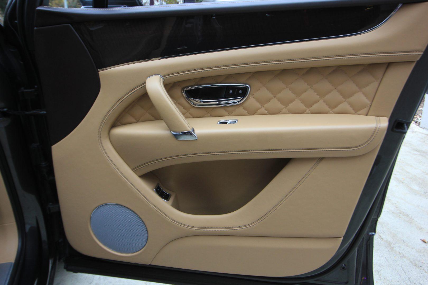 AIL Bentley Bentayga W12 13