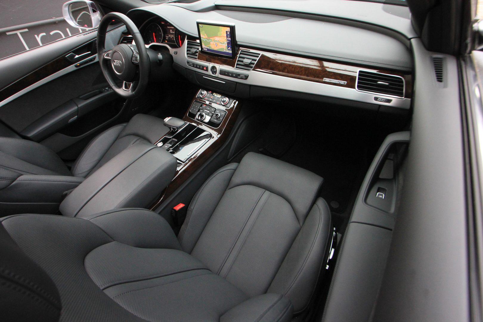 AIL Audi A8 3.0 TDI  quattro 7