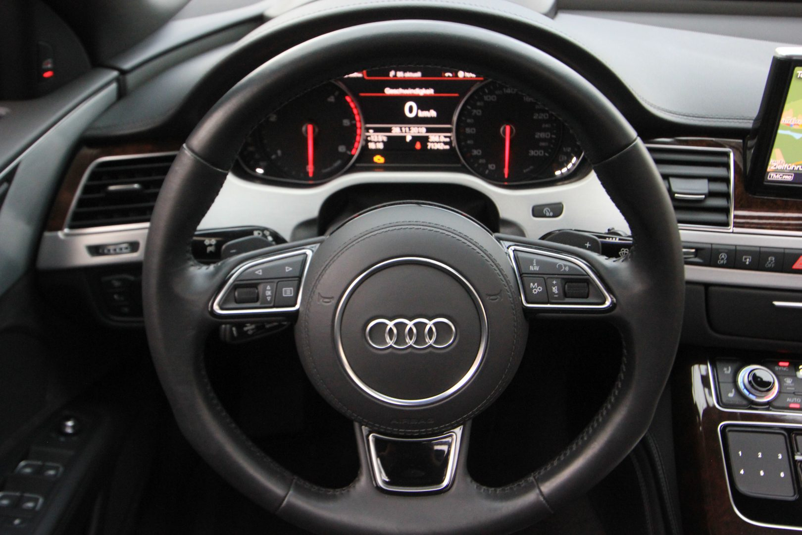 AIL Audi A8 3.0 TDI  quattro 12