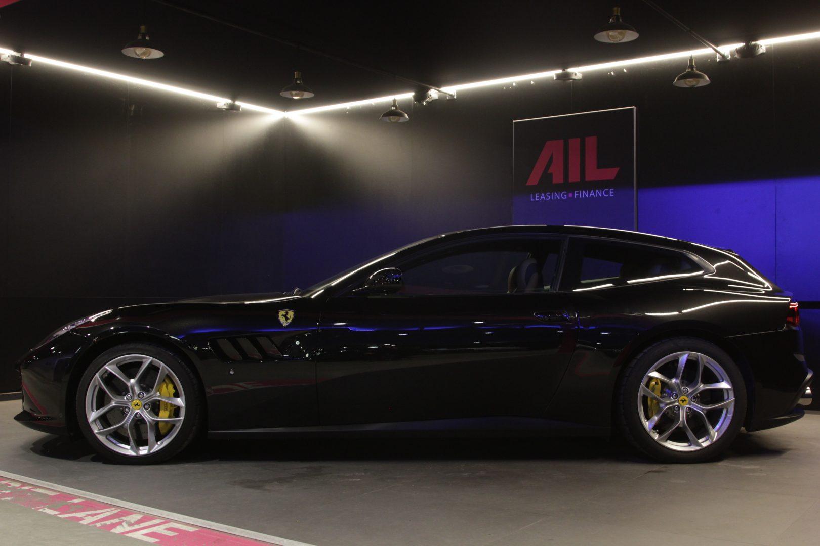 AIL Ferrari GTC4Lusso T LIFT  3