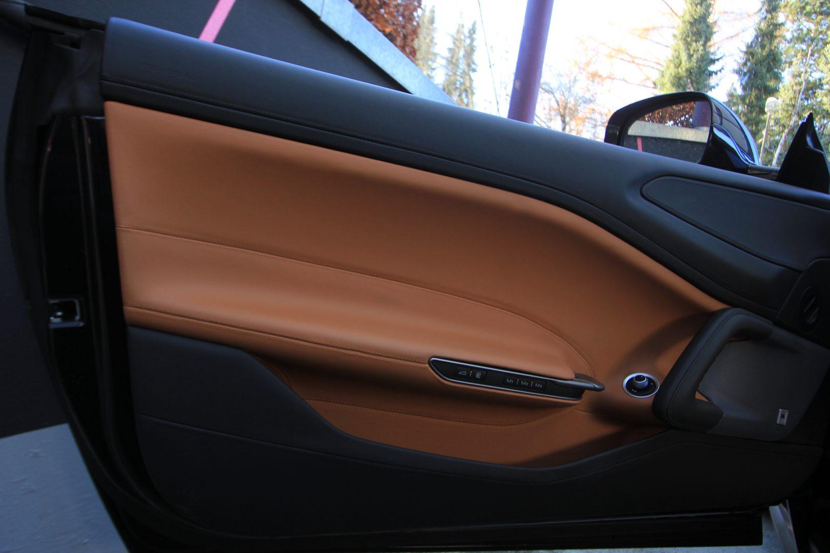 AIL Ferrari GTC4Lusso T LIFT  12