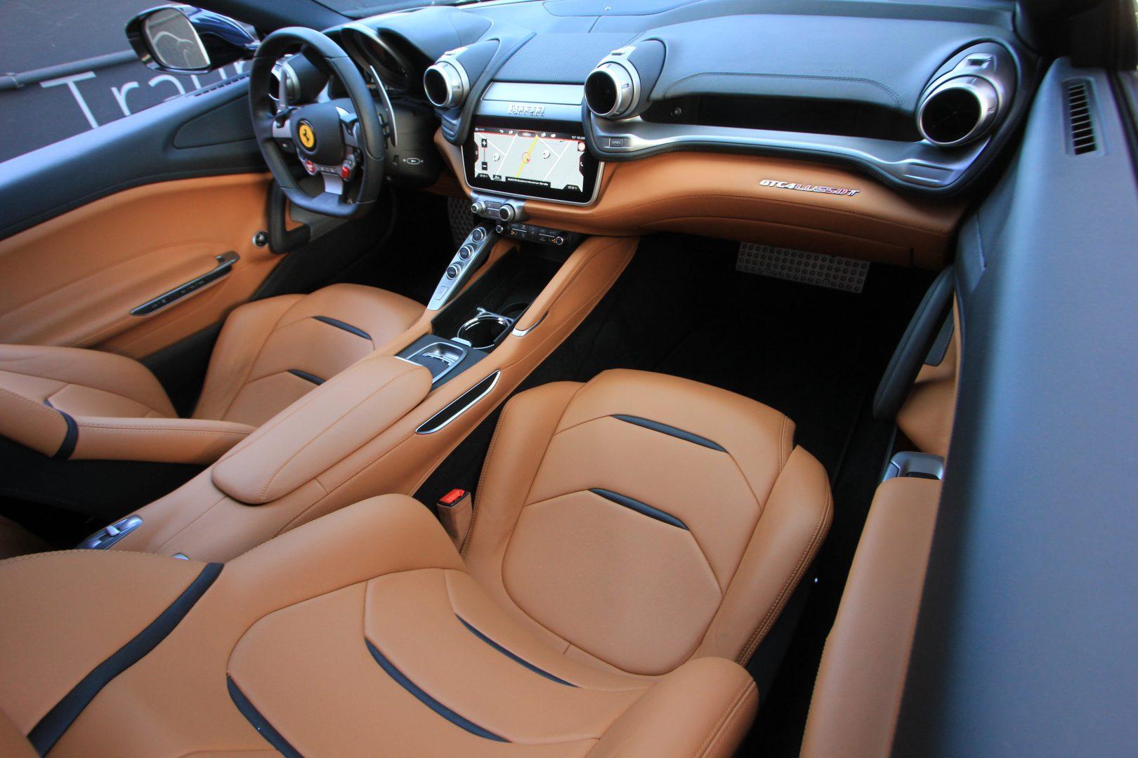 AIL Ferrari GTC4Lusso T LIFT  4