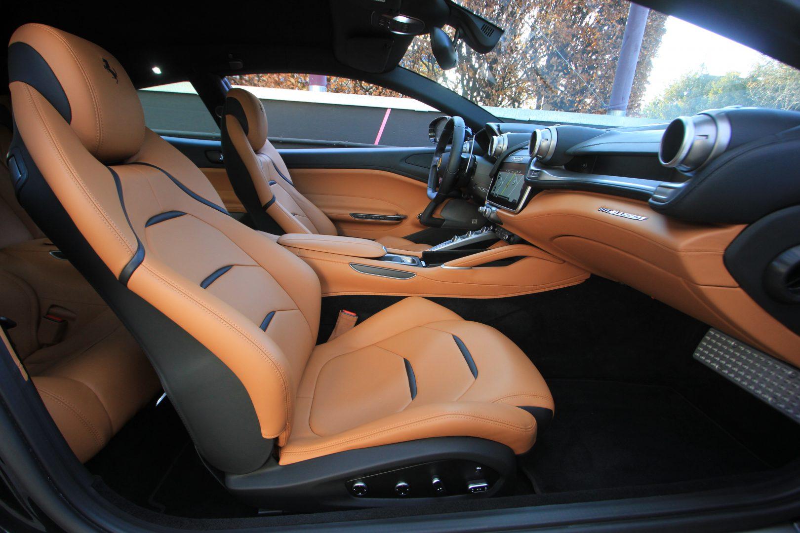 AIL Ferrari GTC4Lusso T LIFT  2