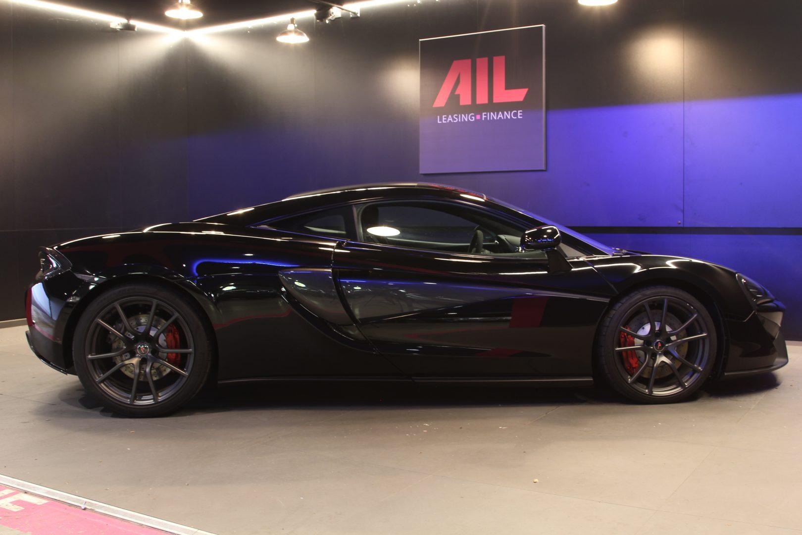 AIL McLaren 540C 11