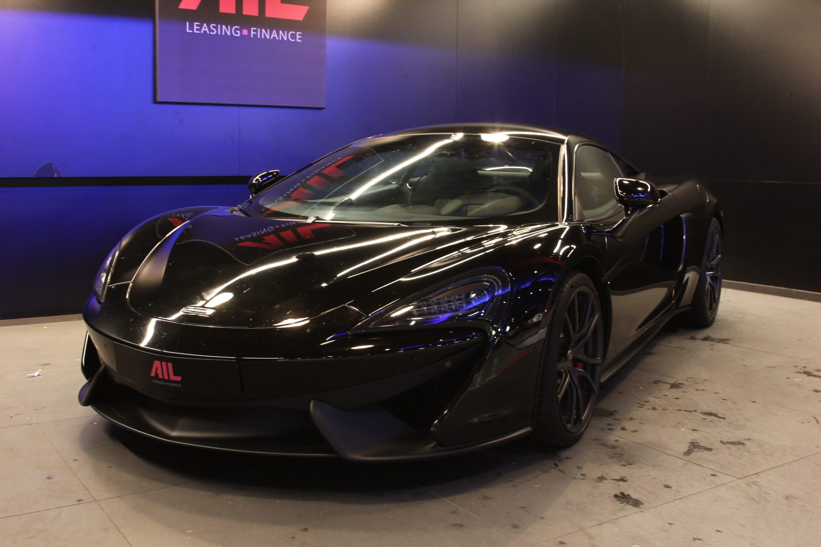 AIL McLaren 540C 9