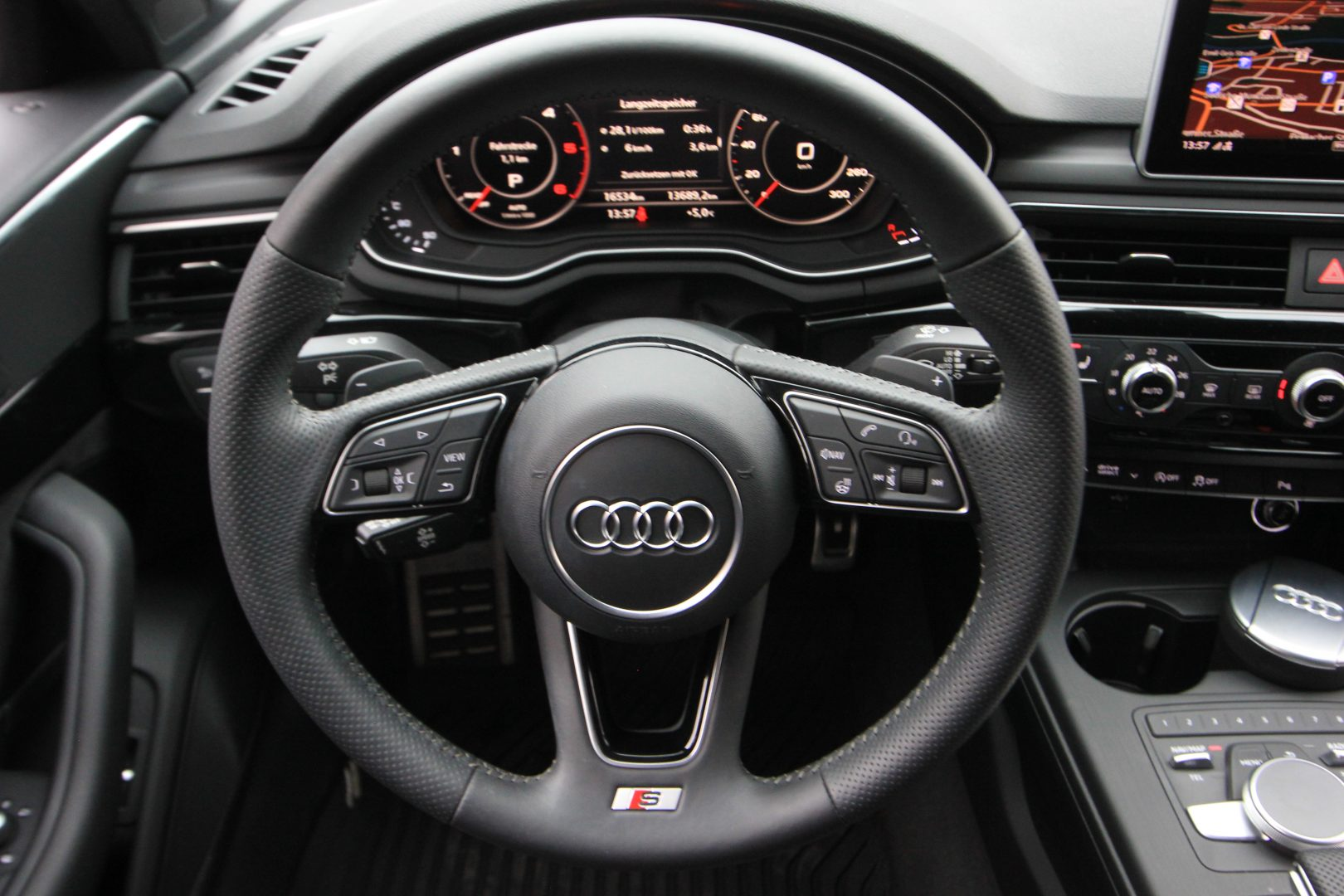AIL Audi A4 Avant S line Sport / Plus quattro 3.0 TDI 5