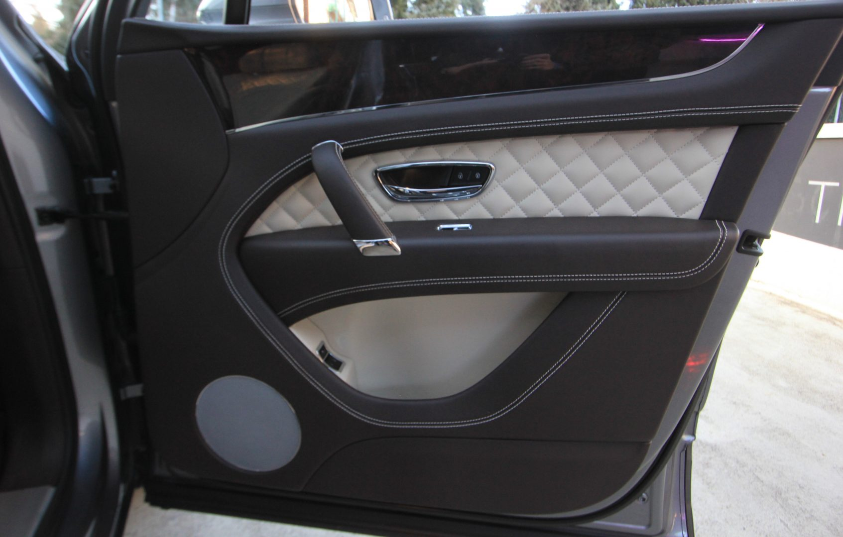 AIL Bentley Bentayga W 12 12