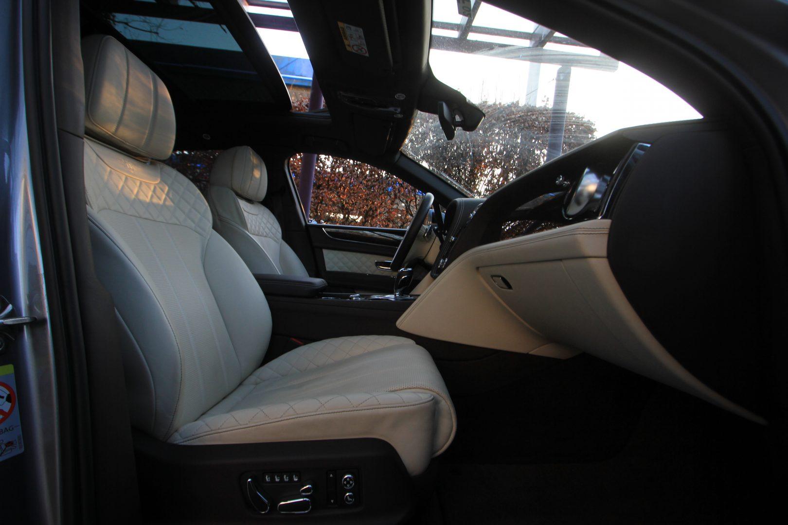 AIL Bentley Bentayga W 12 3