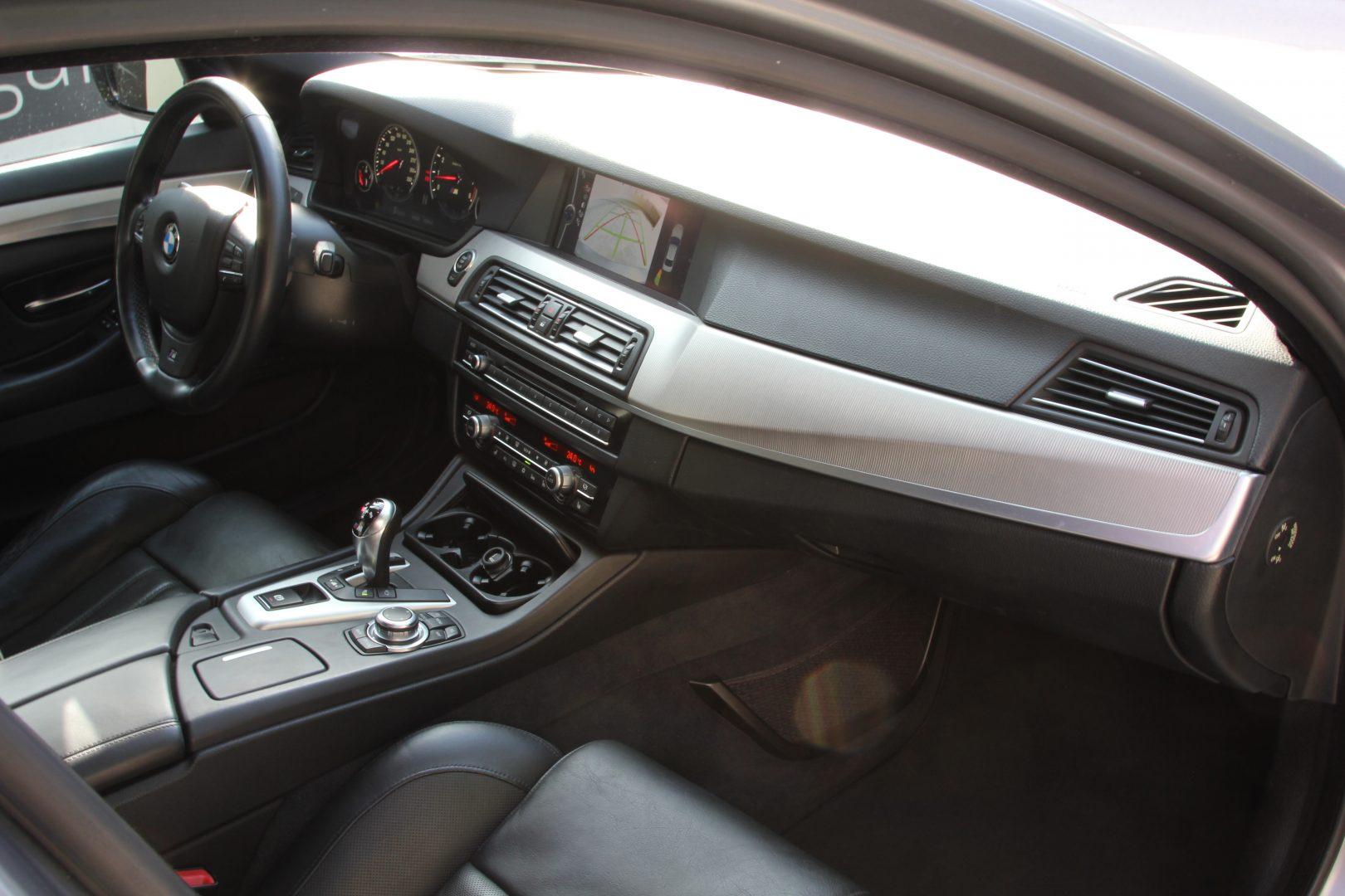 AIL BMW M5 10