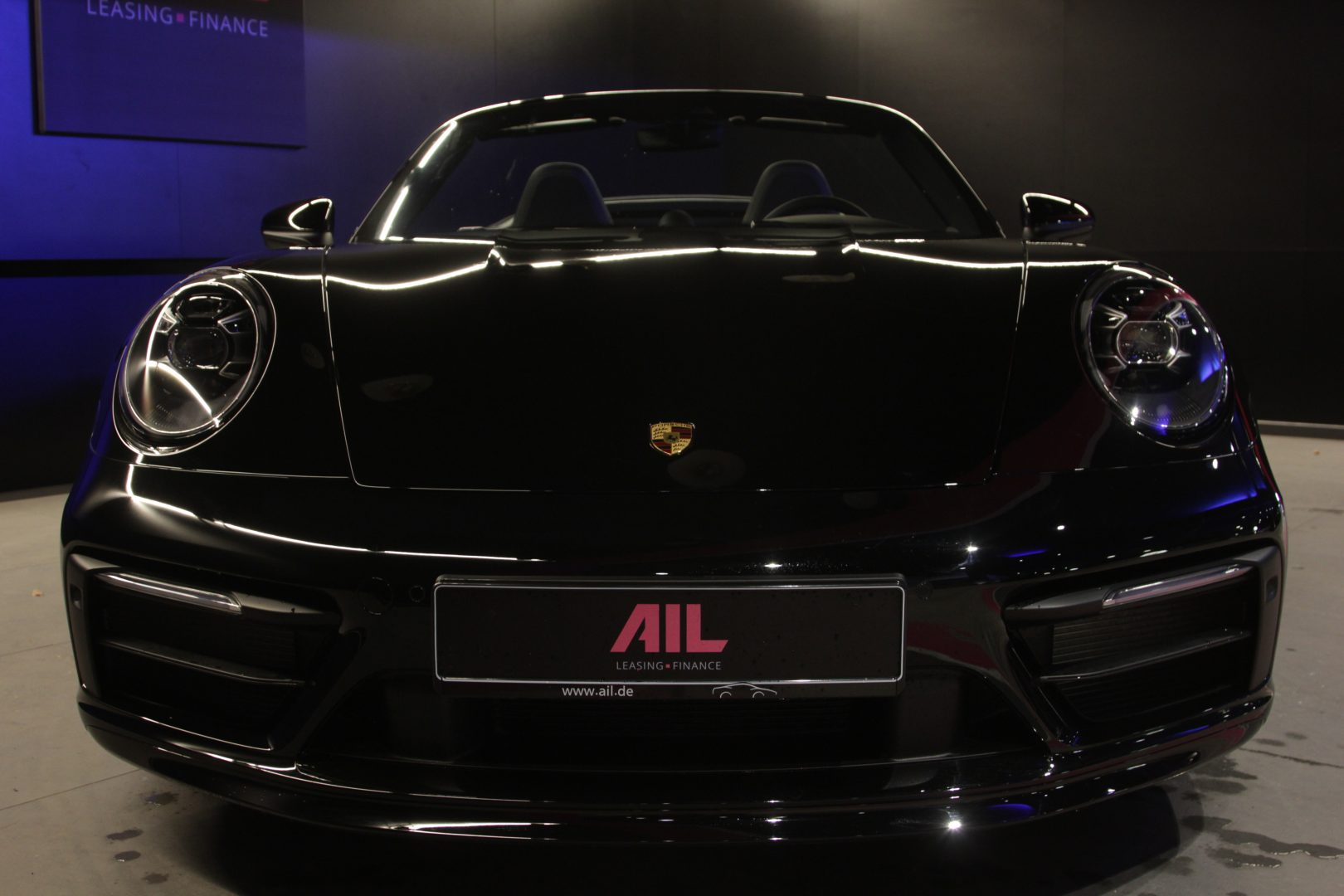 AIL Porsche 992 4S Cabriolet Matrix Sound-Package Plus 9