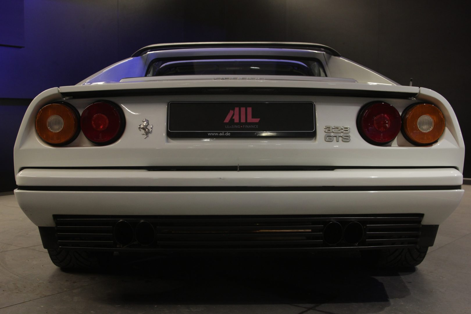AIL Ferrari 328 GTS 8