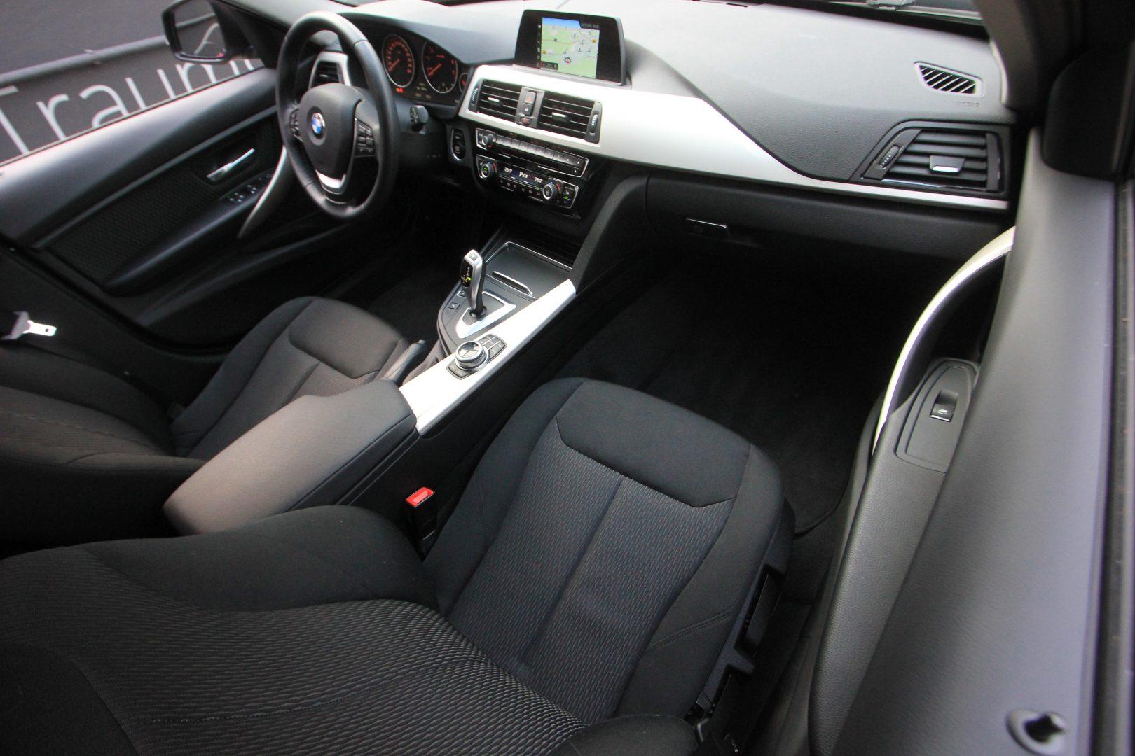 AIL BMW 320i xDrive Advantage 9