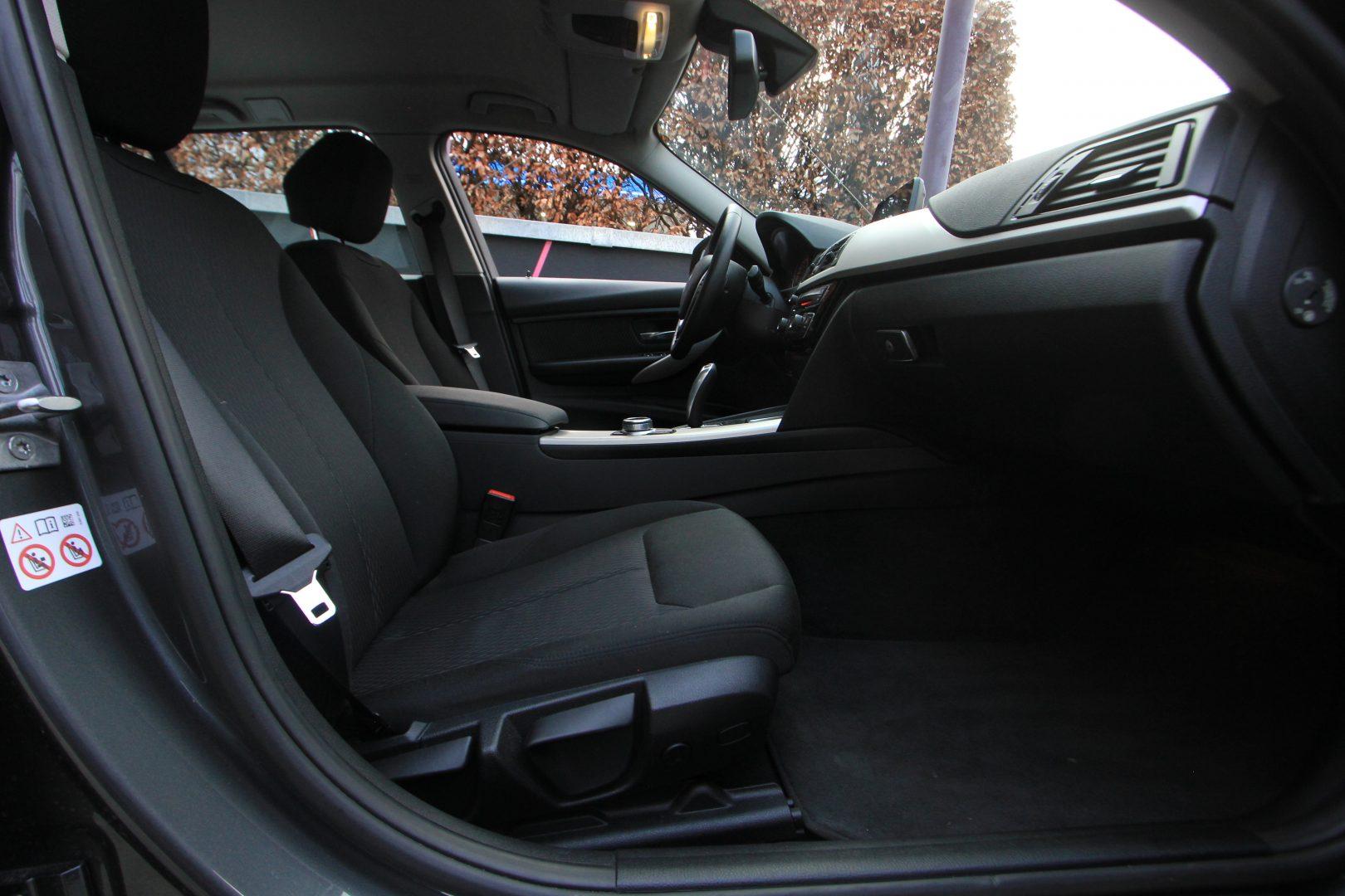 AIL BMW 320i xDrive Advantage 11
