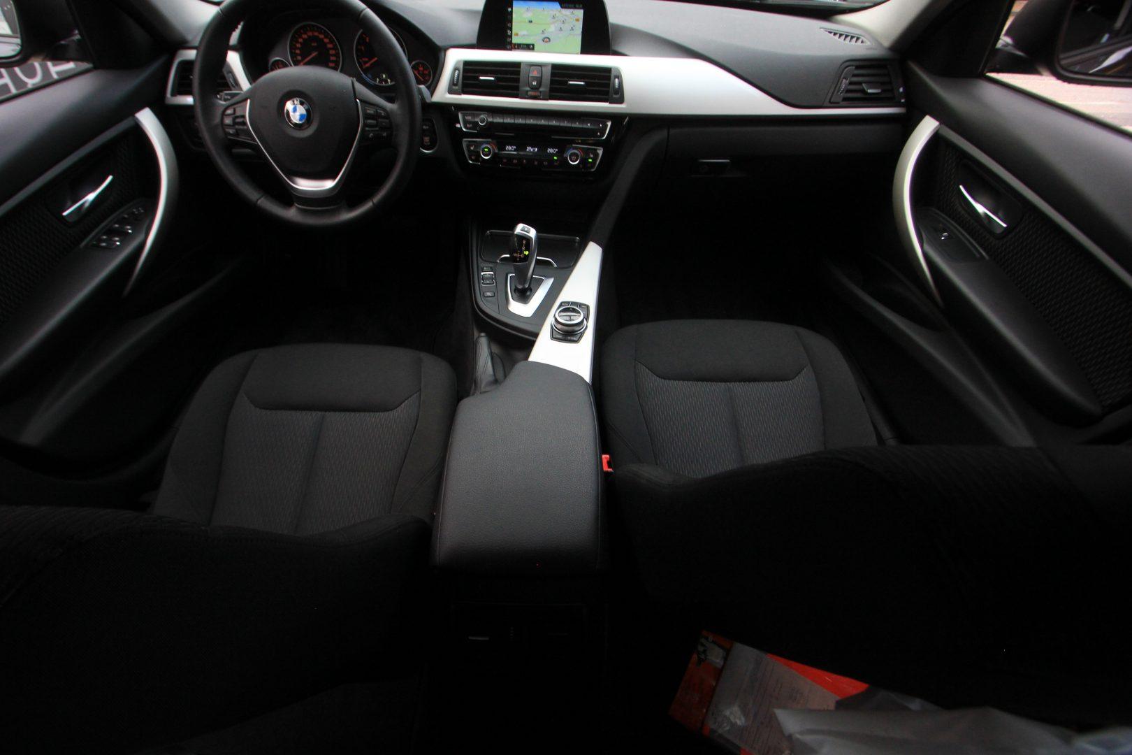 AIL BMW 320i xDrive Advantage 7