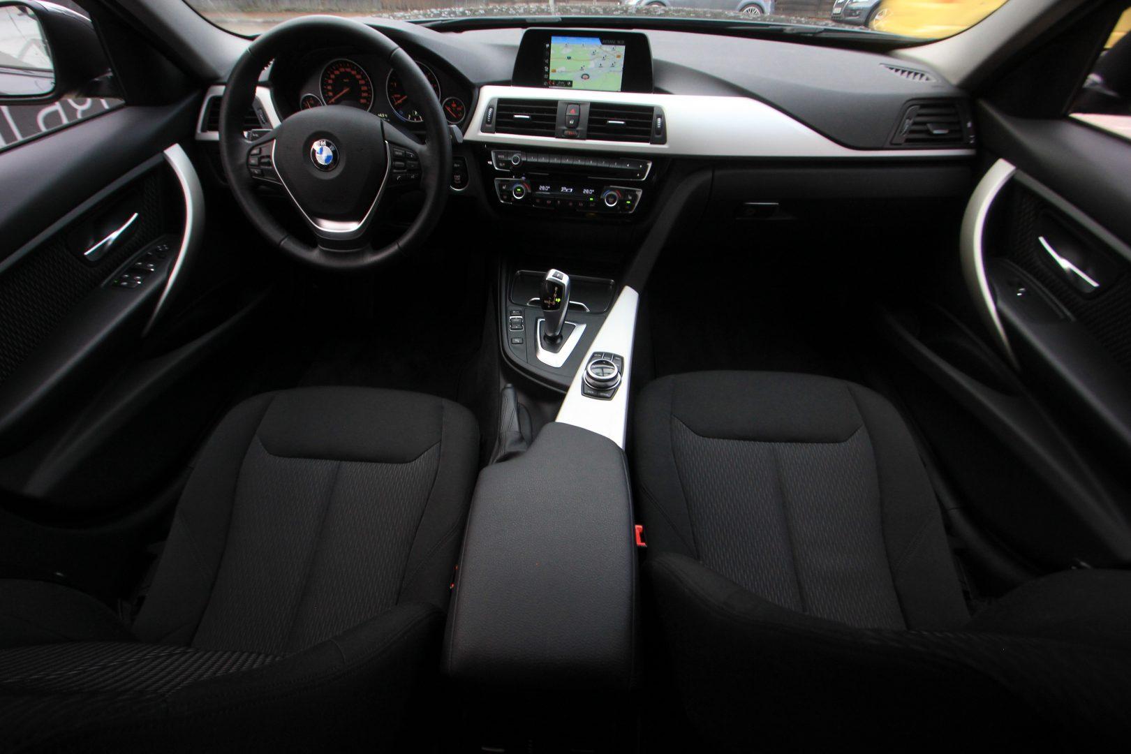 AIL BMW 320i xDrive Advantage 2
