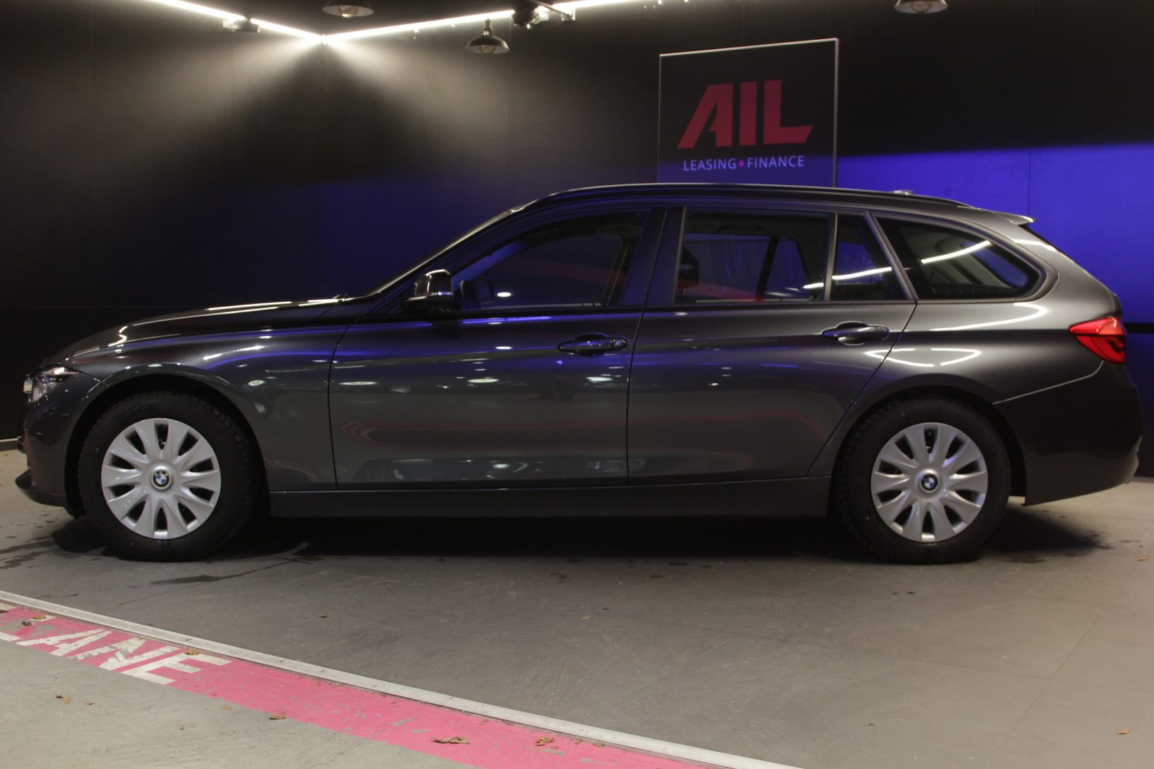 AIL BMW 320i xDrive Advantage 1