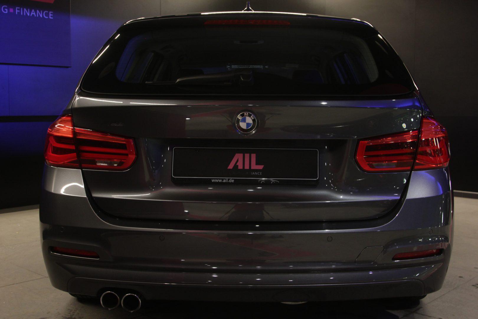 AIL BMW 320i xDrive Advantage 12