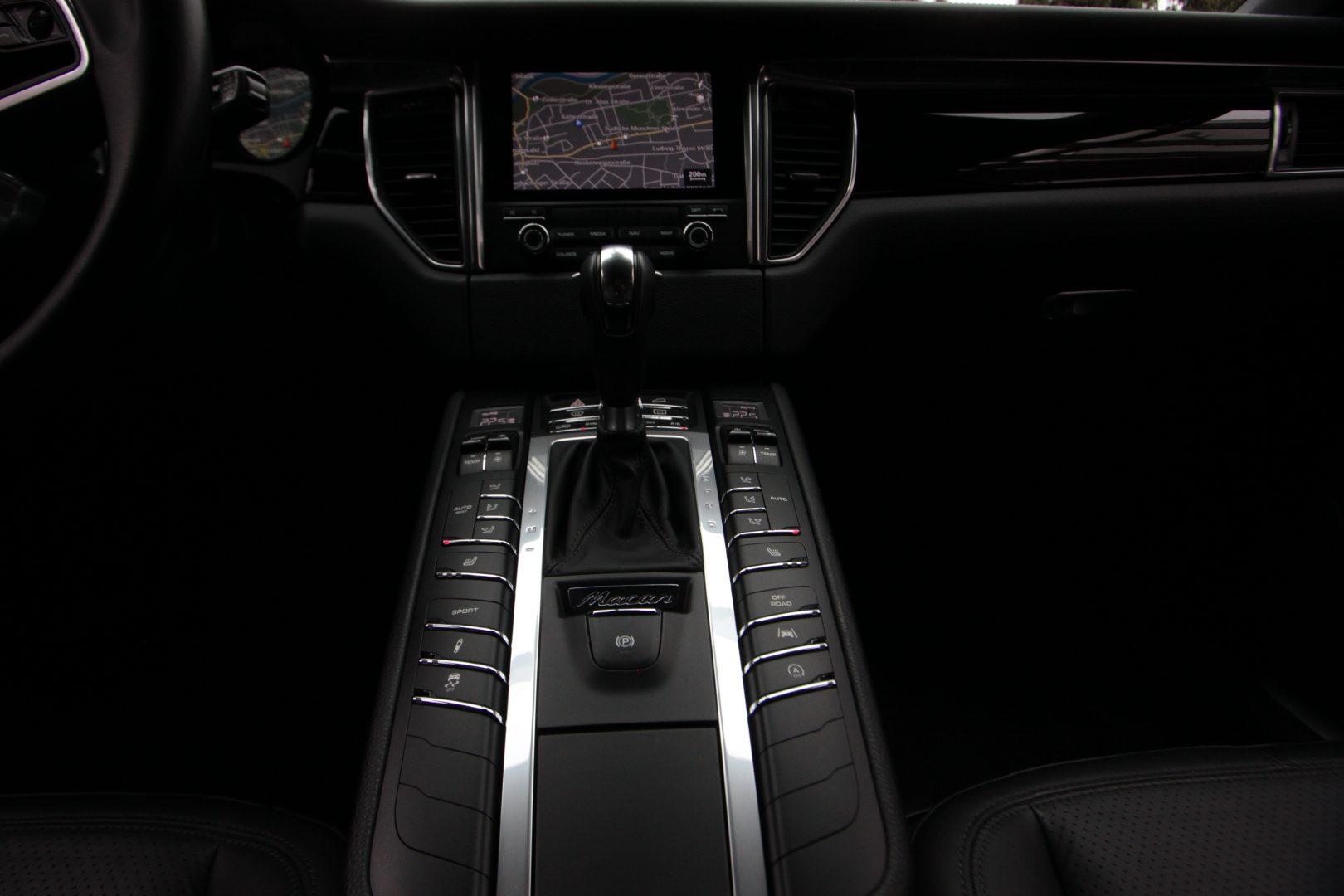 AIL Porsche Macan S Diesel 8