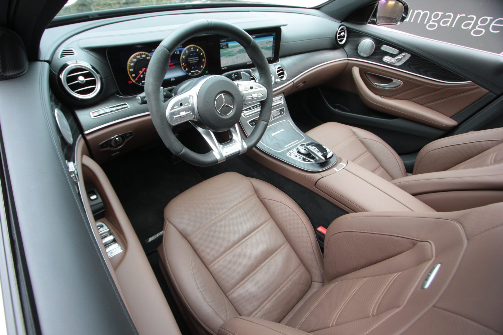 AIL Mercedes-Benz  E 63 AMG S 4Matic 9