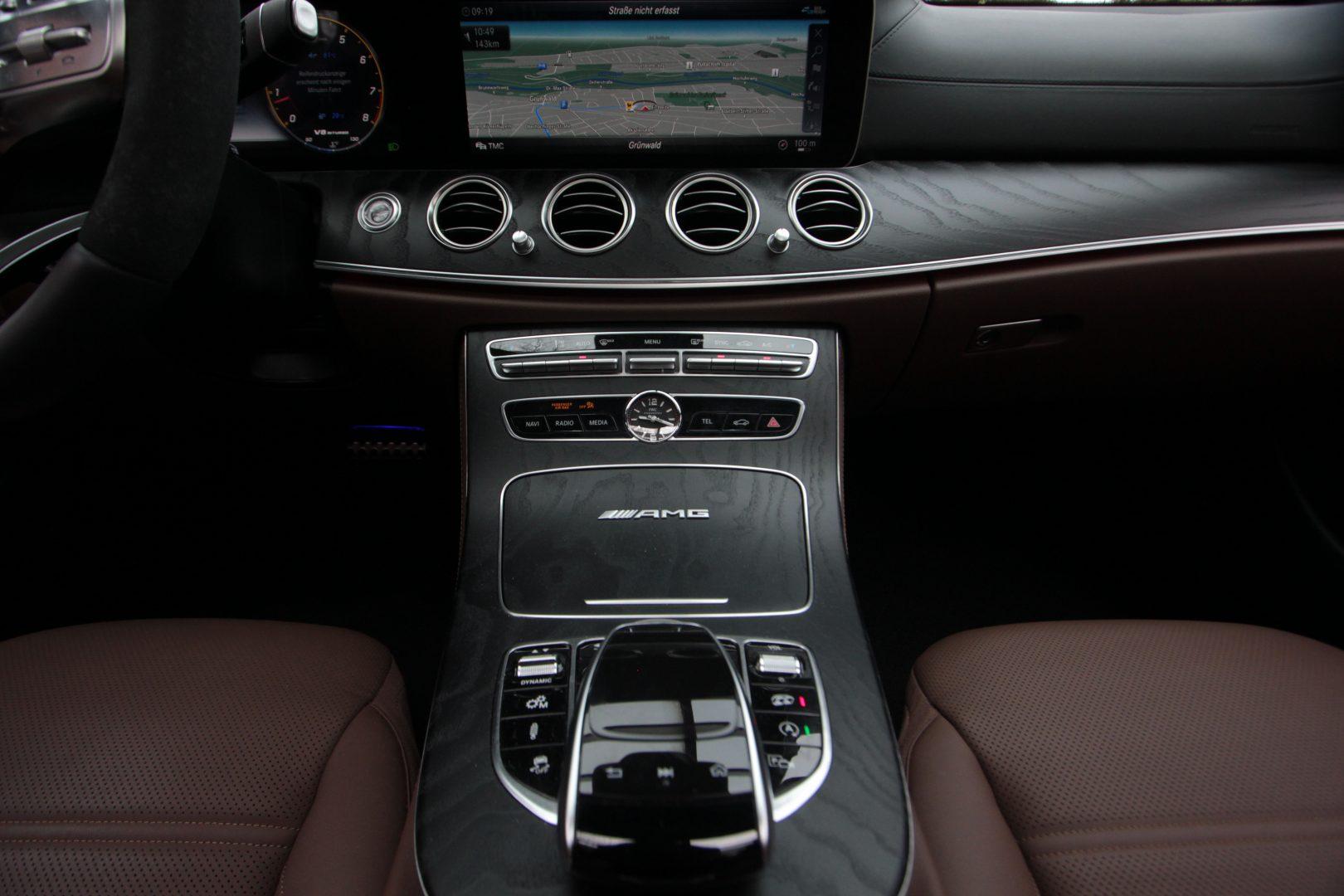 AIL Mercedes-Benz  E 63 AMG S 4Matic 13