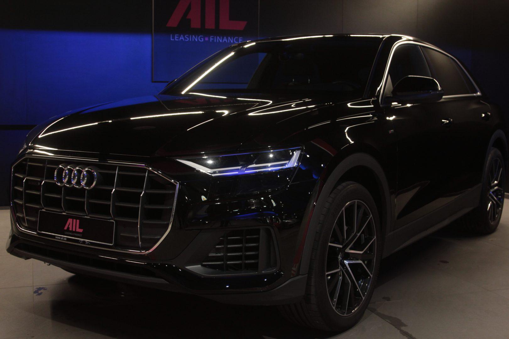 AIL Audi Q8 50TDI  S-Line  Panorama  2