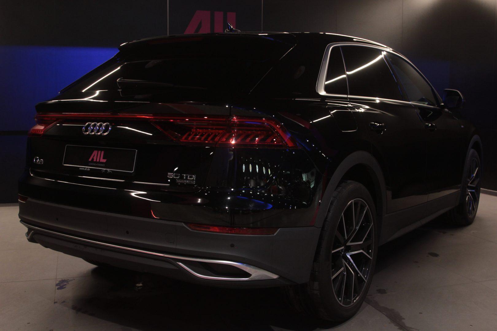 AIL Audi Q8 50TDI  S-Line  Panorama  6