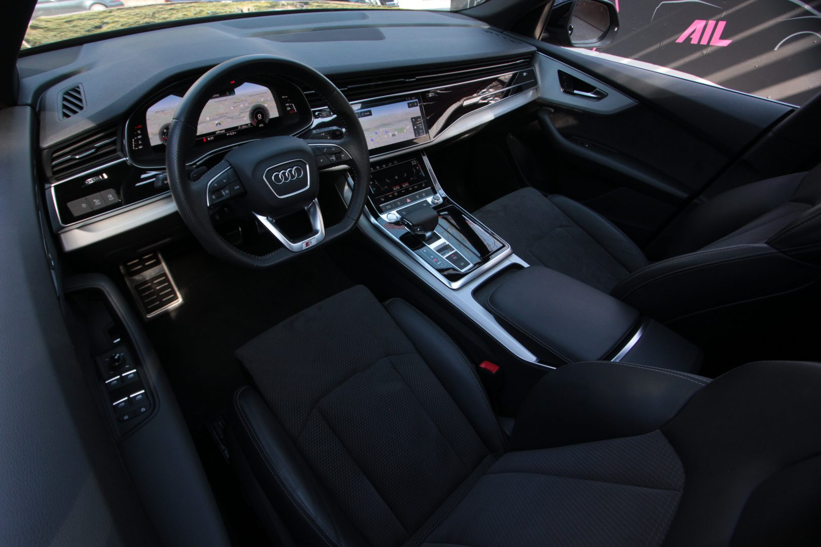 AIL Audi Q8 50TDI  S-Line  Panorama  5