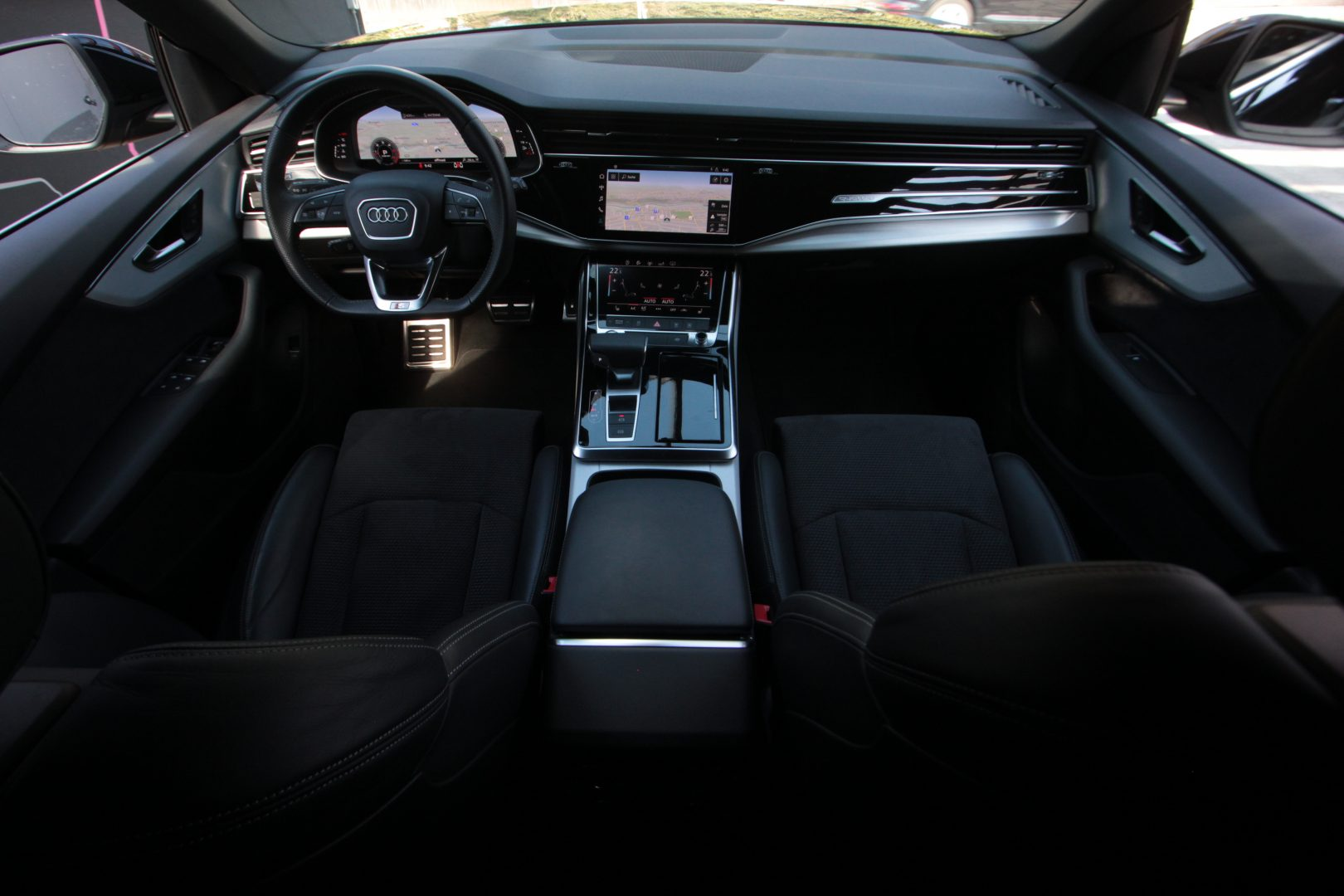 AIL Audi Q8 50TDI  S-Line  Panorama  15