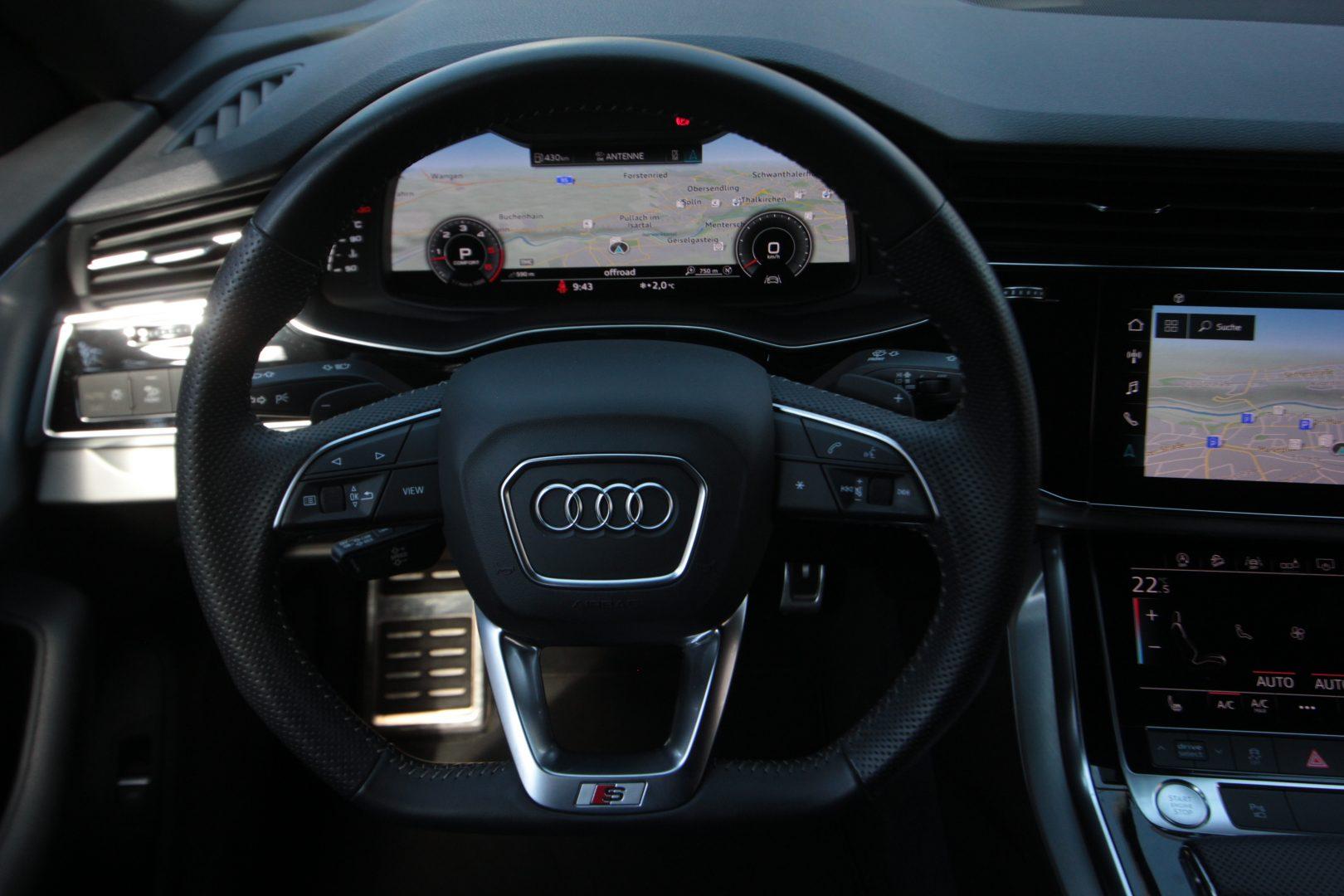 AIL Audi Q8 50TDI  S-Line  Panorama  7