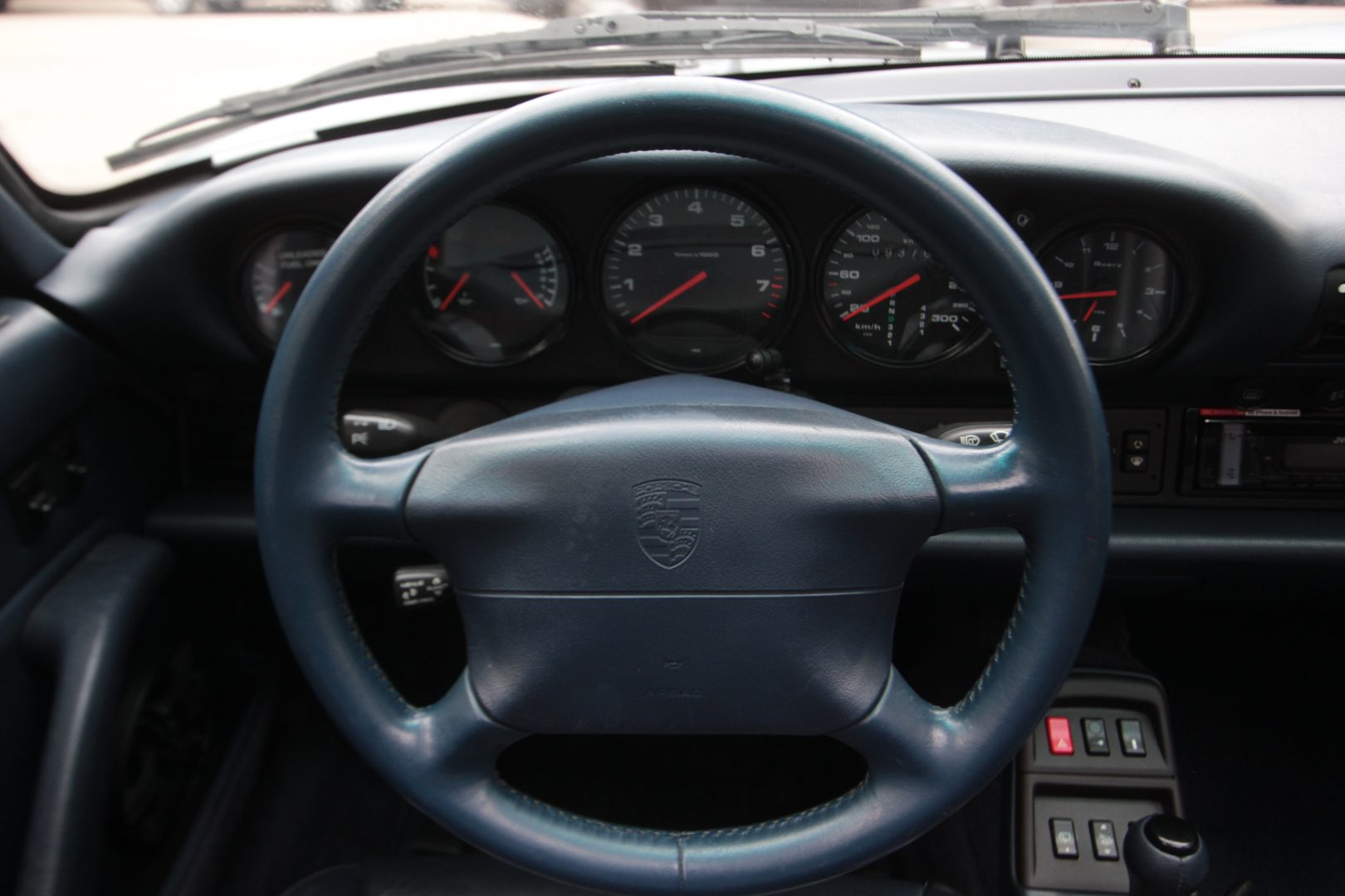 AIL Porsche 993 Carrera C2 3.6 Tiptronic 1