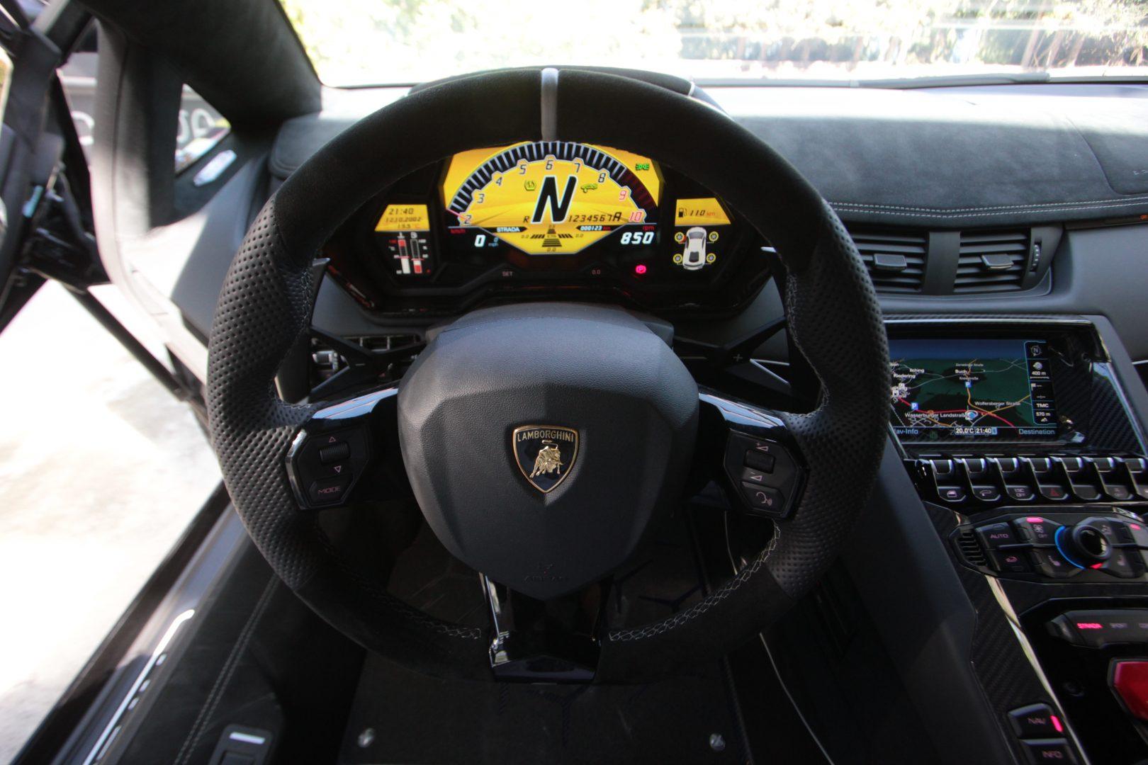 AIL Lamborghini Aventador LP750-4 SV Superveloce  6