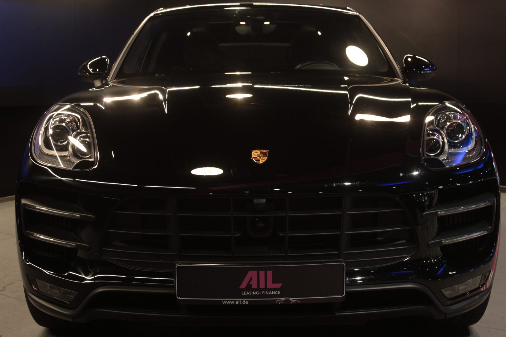 AIL Porsche Macan Turbo 3