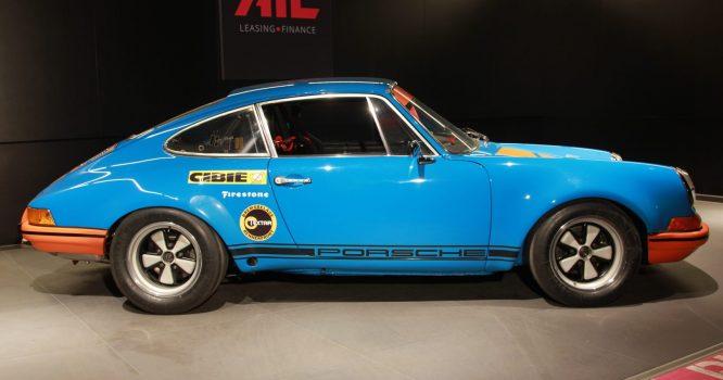 AIL Porsche 911 2.3 ST Rennfahrzeug seitlich