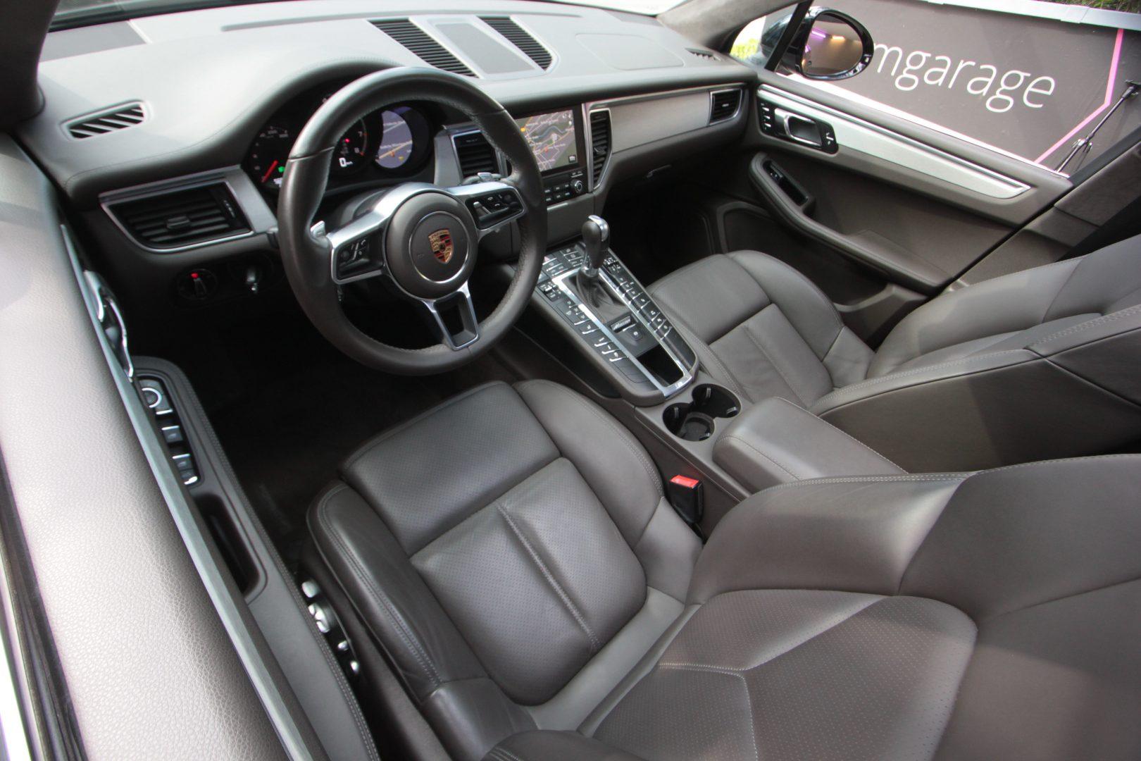 AIL Porsche Macan Turbo 12
