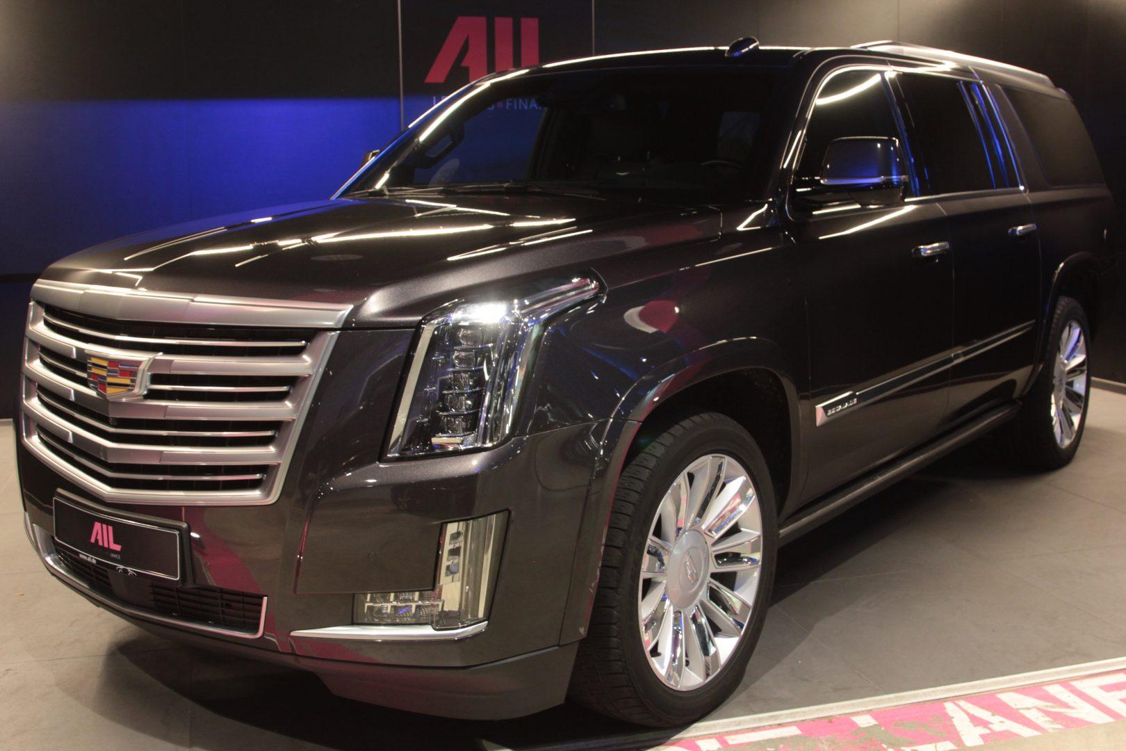 AIL Cadillac Escalade ESV Platinum 6.2 V8 AWD 8
