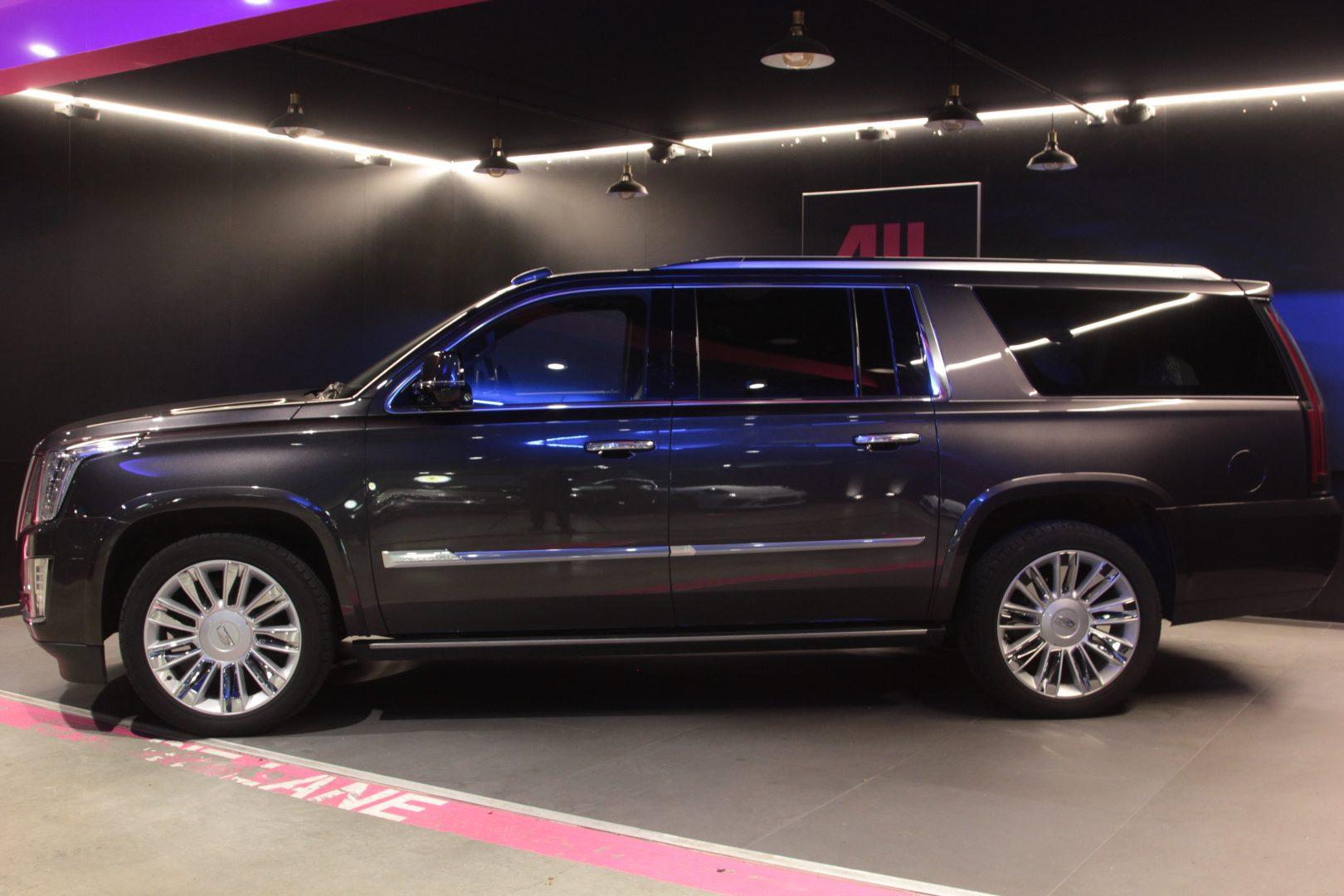 AIL Cadillac Escalade ESV Platinum 6.2 V8 AWD 14